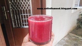 Beetroot Carrot and Apple smoothie with squeezed lemon