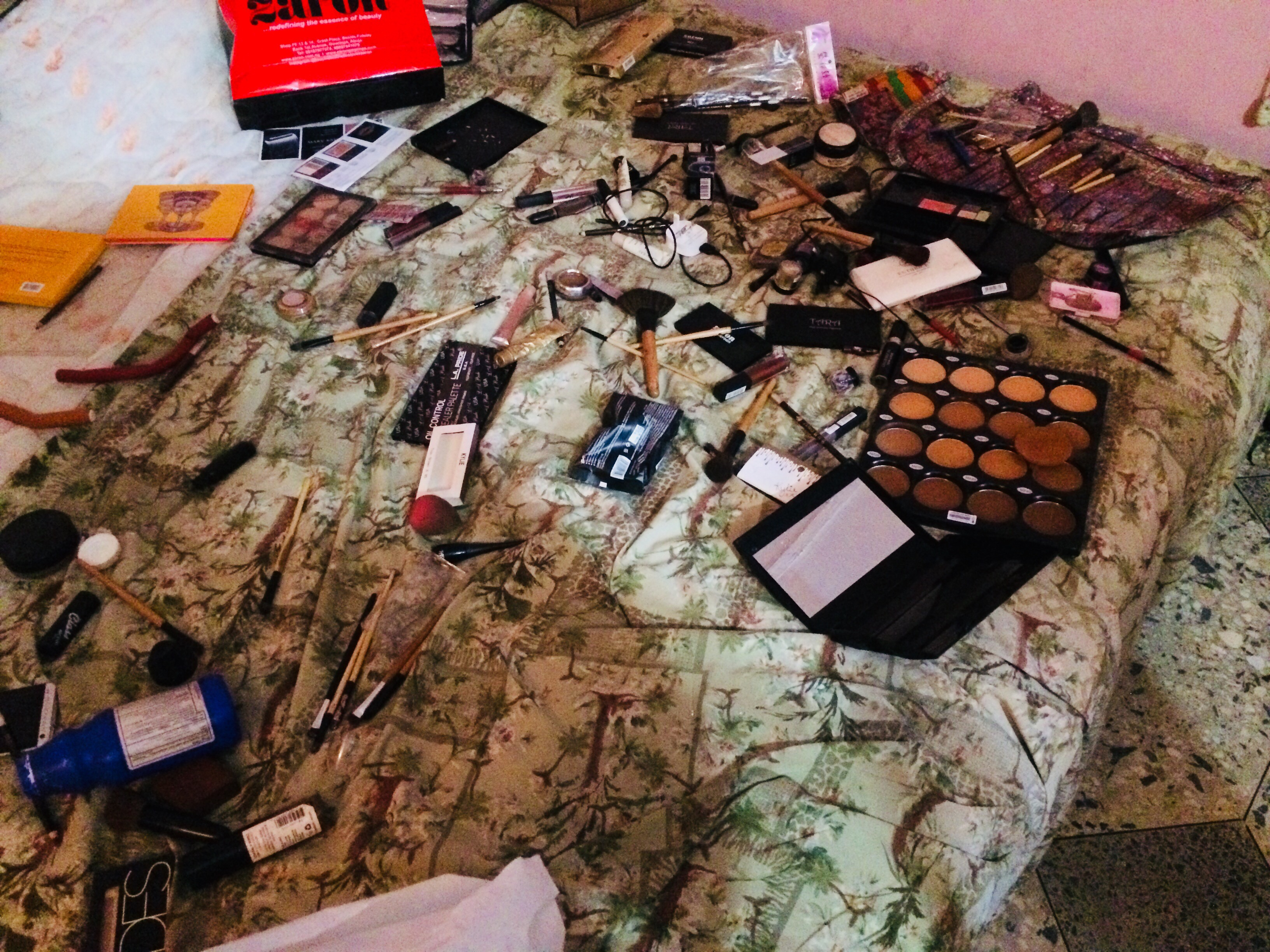 Make up items for the bride