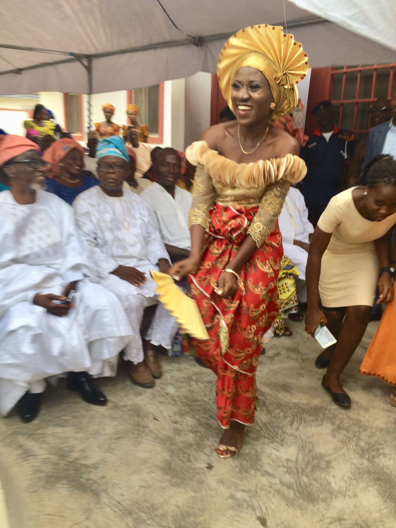 A happy dancing Igala bride (Kedono Jummai)